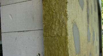 Чем лучше утеплять стены из газобетона?